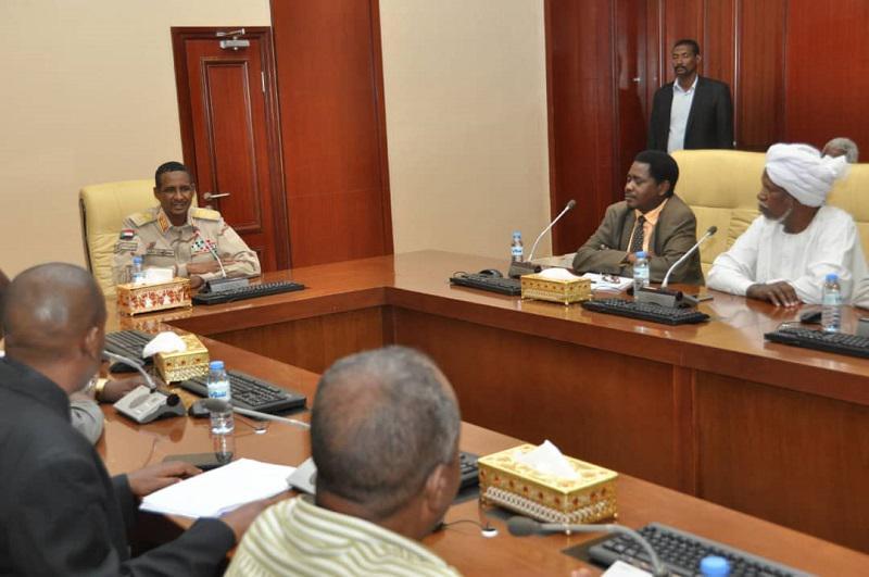 العسكرى يتسلم مبادرة أساتذة الجامعات والكليات والمعاهدالسودانية