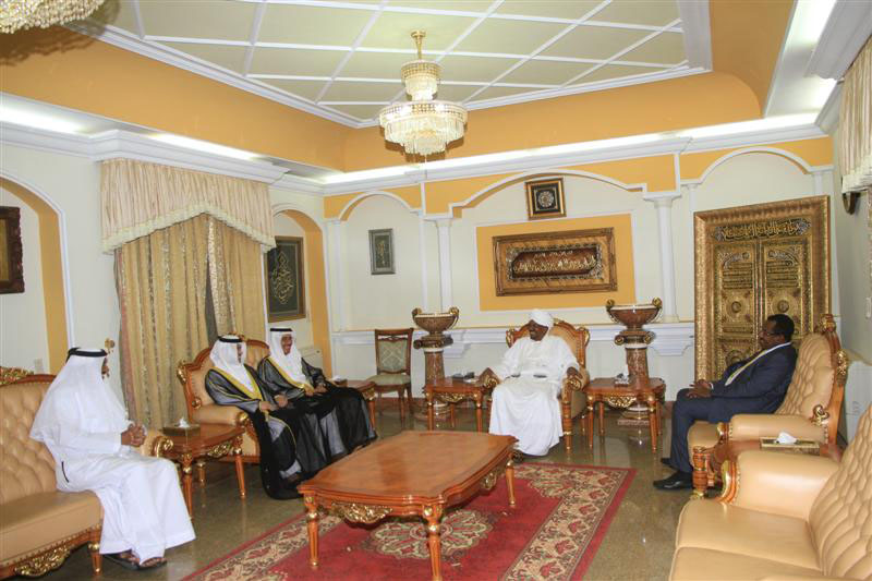 Al Bashir discusses with Saudi king bilateral cooperation in political and economic fields