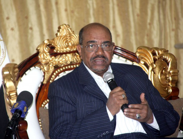 Al-Bashir gives  directive  on  follow-up  implementation  of East Sudan Reconstruction  Funds projects