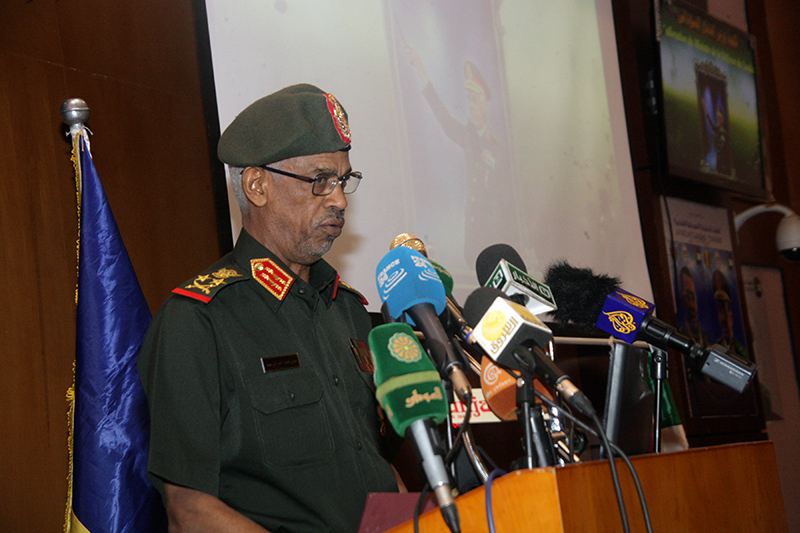 Defense Minister: Army Reedy to preserve Sudans territories