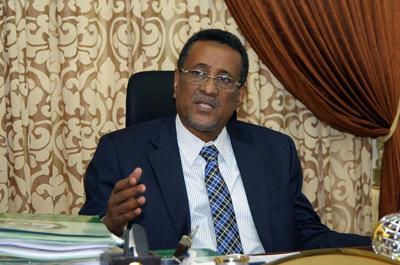 Ibrahim Mahmoud meets Nigerian ambassador to Khartoum